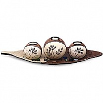 Beautiful 3 Round Candle Holders On Leaf Shaped Tray