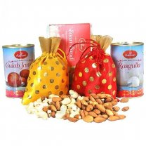 Dry Nuts Bags With Gulab Jamun, Rasgulla And Soan Papdi (5 Items)
