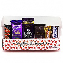 Yummy Chocolates Gift in Beautiful Love Box