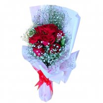Romantic Half Dozen Red Roses Bunch