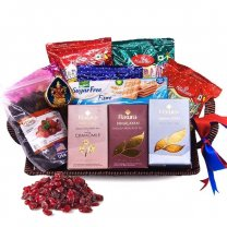 Rakura Himalayan Tea Selection, Namkeens, Cranberry Food Gift Basket