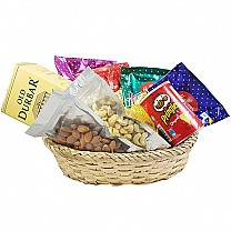 Old Durbar Whisky, Dry Nuts, Namkeens Basket