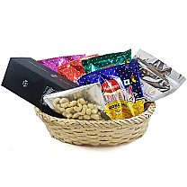 JD Whisky, Dry Nuts, Namkeens Basket