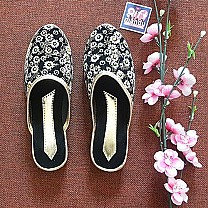 Ladies Makhamali Printed Flat Slipper Black