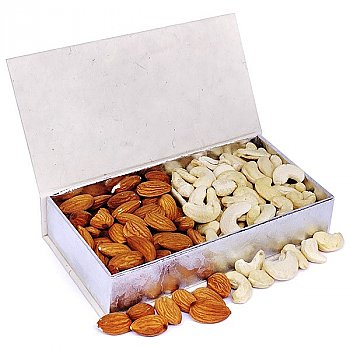 Cashew and Almonds Delicious Dry Nuts Box