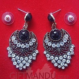 Fashionable Chandbali Earring