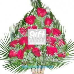 18 Fresh Red Roses Love Basket