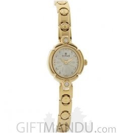 Titan Karishma Light Dial Analog Watch for Women (2467YM02)