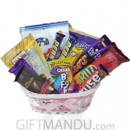 Chocolates Snacks in Medium Basket (14 items)