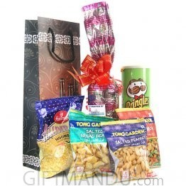 Sweet Red Wine in Beautiful Wine Bag and Party Snacks (6 Items)