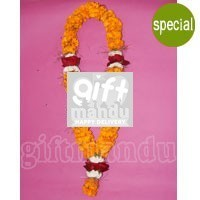 Exclusive Garland - Sayapatri, Red Rose and Godabari