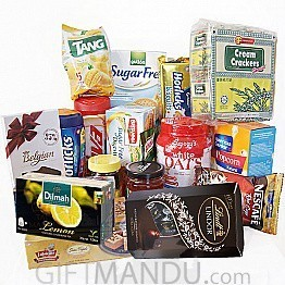 All-in-One Package - Biscuits, Oats, Horlicks, Viva, Tea, Coffee, Sweets and more (17 Items) - Lindt