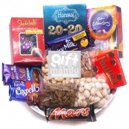 Chocolates and Dry Nuts Tray (11 Items)