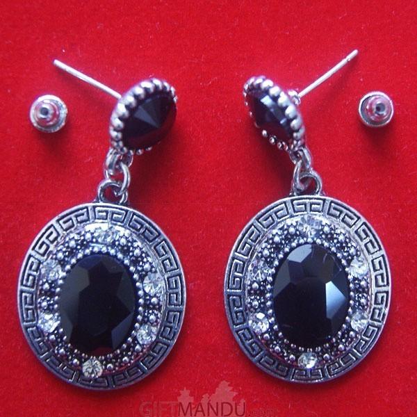 Vermilion Black Round Stones Earring