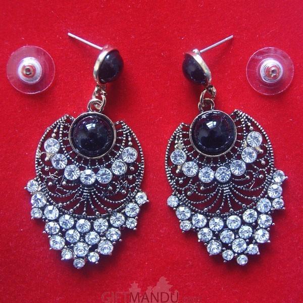 Fashionable Chandbali Earring