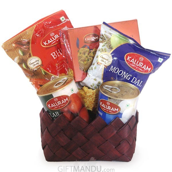 Mother's Day Special - Namkeen and Sweets Basket (5 items)
