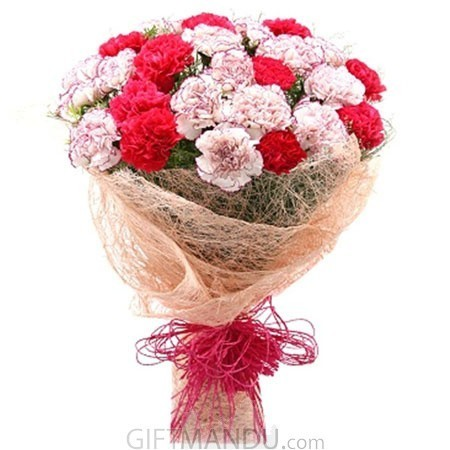 25 Fresh Red and Mix Carnations Bunch Jute Wrap
