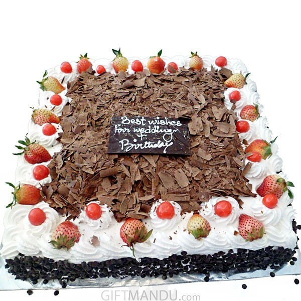 Five Star Large Black Forest Cake for Wedding, Anniversary, Birthday