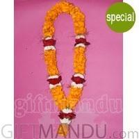 Exclusive Garland - Sayapatri, Red Rose and Godabari