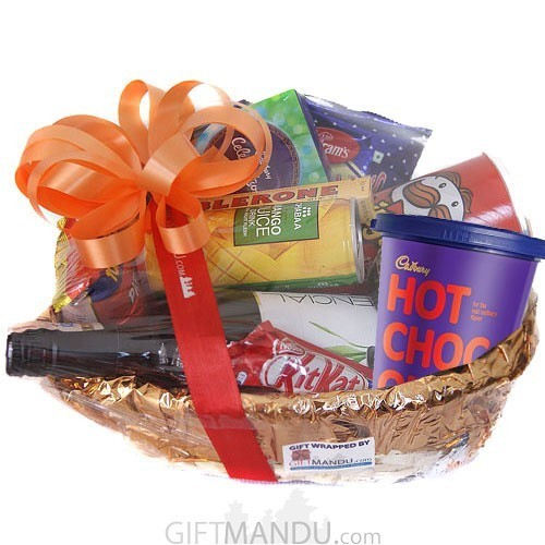 Gift Basket with Chocolates, Snacks and Juice (9 Items)