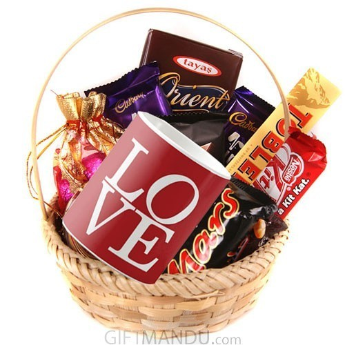 Love Mug, Cadbury Mix Basket Chocolates (10 Chocolates)